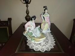 Porcelán Gésa figurák egyben