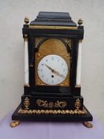 Spindlis kandallóóra - 18.századi francia óra