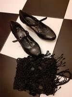 Clarks 37 es barokk sarkú fekete bőr táncos fazonú cipő újszerű állapot gyöngyös estélyi táskával