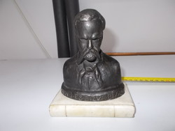 Madách bronz szobor márvány talpazaton