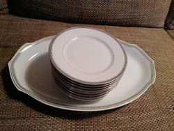 1945 előtti ovális talaló és 11 db desszertes tányér, nagyon szép állapotban!
