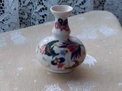 Régi máz alatti kézzel festett porcelán váza, alján jelzések