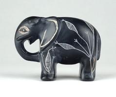 1C516 Faragott vésett fekete márvány elefánt szobor