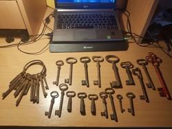 Ritka kovácsolt kulcs lakat és bicska gyűjtemény!