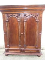 Kabinetszekrény szekrény