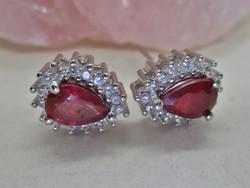 Gyönyörű kézműves ezüst fülbevaló valódi rubinokkal