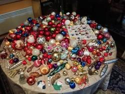 Régi karácsonyfa díszek 300 db