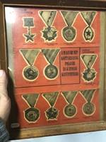 Kitüntetések plakát, keretezve, 30 x 25 cm-es nagyságú.