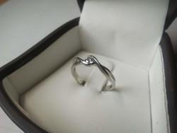 Fehérarany gyűrű Forevermark gyémánttal