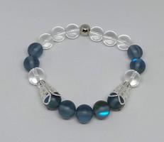 Szintetikus kék holdkő és áttetsző gyöngy karkötő, 10 mm-s gyöngyökből