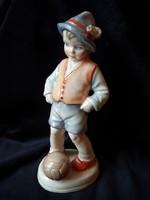Régi SITZENDORF porcelán focis fiú szobor - fiú foci labdával RITKASÁG!