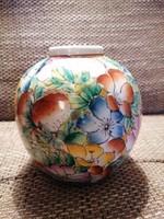 Famille Rose kínai váza teljesen kézi festéssel, hibátlan állapotban!