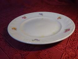 Kőbányai porcelán, virágmintás süteményes tányér, átmérője 19 cm.