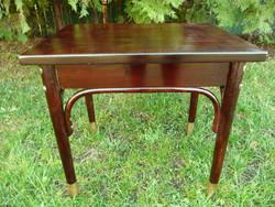 Nagyon szép, jelzett, antik, réz papucsos Thonet szalon asztalka / zsúr asztal