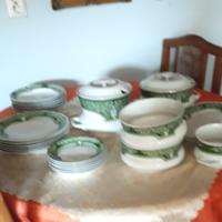 Hollóházi  étkészlet  6  személyes