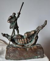 Tóth Ernő: Groteszk, bronz szobor, kisplasztika, 31 x 25 cm