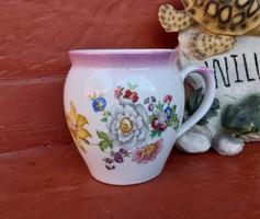 Gyönyörű ritka virágos, porcelán csupor,  aludttejes szilke, 14 cm magas