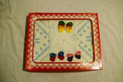 Hímzésminta gyerek játék előrajzolt hímezhető zsiráf kis terítő 17 x 17 cm 3db. 7.