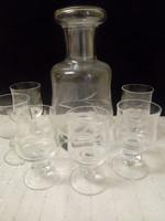 Régi csiszolt üveg likőrös-pálinkás készlet