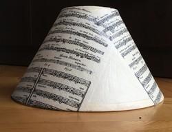 Kottával díszített asztali lámpaernyő