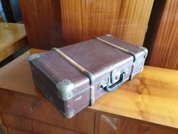 Régi vintage kis méretű bőrönd kisméretű koffer 50 x 30 cm dekoráció