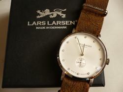 Lars Larsen Christopher egy gyönyörű skandináv dizájn óra