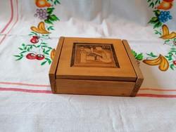 Intarziás varró fadobozka ( Buda felirattal)