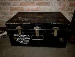 Katonai fém láda, fém utazó láda, fém bőrönd, loft, industrial
