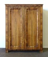 1C684 Antik kétajtós Biedermeier ruhásszekrény 166 cm