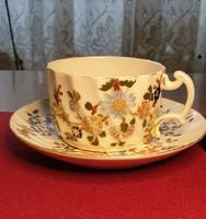 Zsolnay teás csésze aljjal.