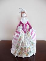Hollóházi barokk hölgy