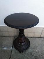 Posztamens - Virágtartó asztal