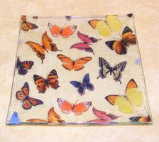 Pillangós, lepkés üveg kínáló