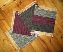 'IZZÁS' kézzel szőtt nemez hatású vastag gyapjú ülőpárna, széktakaró, kis szőnyeg - 4 darabos szett