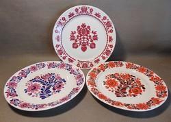 Virágos porcelán dísztányér , falitányér 3 darab egyben