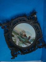 Festett porcelán kép falidísz ,  ón keretben