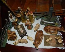 Kézzel festett Antik Betleheni figurák díszlettel