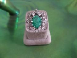 Fehér arany smaragdos - brilles gyűrű