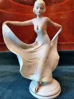 Antik Schneider táncosnő
