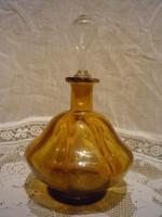 Borostyán színű likőrös üveg palack I