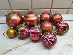 Retro, piros színű festett karácsonyfa dísz 9 db eladó!