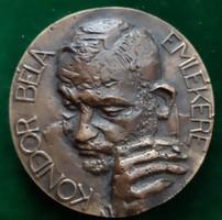 Rátonyi József: Kondor Béla bronz kisplasztika 1976