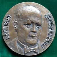 Lesenyei Márta: Dr. Batthyány-Strattmann László, bronz kisplasztika