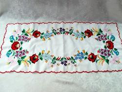 Kalocsai terítő  81,5 cm x 35 cm