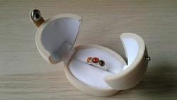 Meseszép ezüst gyűrű borostyánnal + díszdoboz