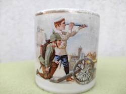 Első világháború,militaria bögre, Ferenc József idejéből, Német katona fiúk àgyúval tüzérek.