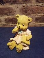 Teddy macilány