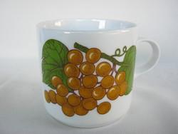 Alföldi porcelán gyümölcsös szőlős bögre
