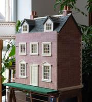 Csodálatos angol babaház - karácsonyi álom - rózsaszín babaház teljes berendezéssel, bababútorokkal