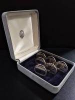 Ezüst (925) asztali szalvéta és névjegy tartó készlet 6db, cirkon kövekkel díszítve